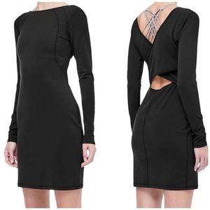 New Lululemon Contour Dress Nulu black open back